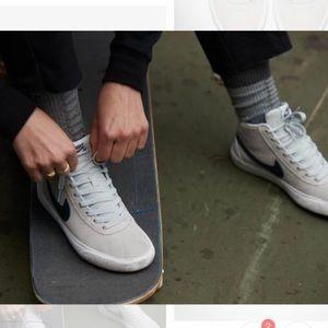 Nike Shoes - NEW 🌫 NIKE SB WOMENS BRUIN HI • SIZE 12